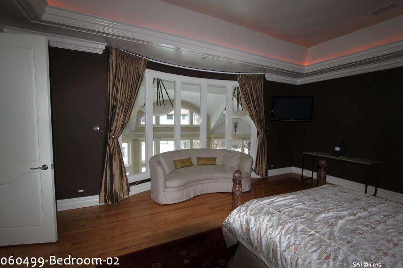 060499-Bedroom-02